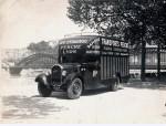 Camion type MC sur berge du Rhône