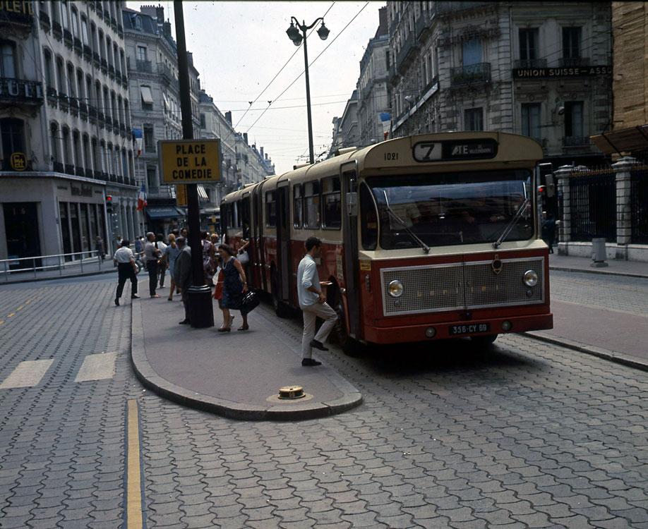 Cars berliet bus berliet galerie photos - Bus grenoble lyon ...