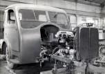 cabine et moteur du camion Somua JL12 1946