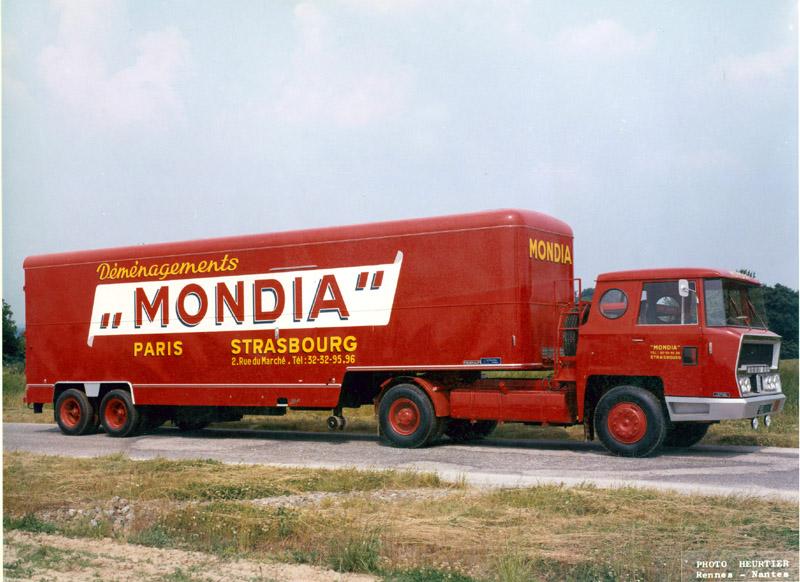 Bernard-TDA180-cabine-Charbonneaux-Pelpel-1964