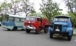 Avant le départ : camions cars et pompiers bien représentés