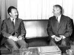 11 Paul Berliet et le Président Algérien Boumédiene en 1970