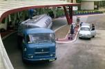 Saviem JM170 ravitaillement d'essence Azur 1965