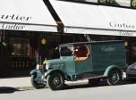 Unic  L1 de 1923 devant la vitrine Cartier vue 3