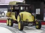 Renault 6 roues stand Retromobile vue 1