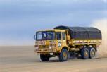 Dakar 1980 Man 6x6 roulant dans le désert