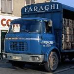 Berliet GBK bleu transport de vin cabine relaxe