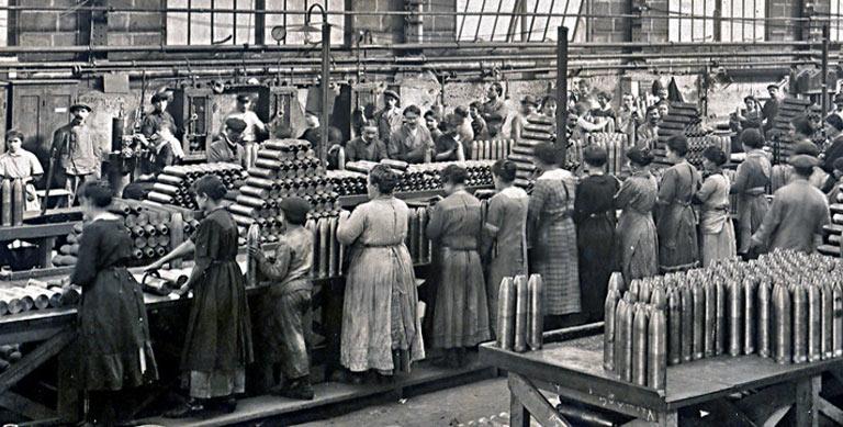 Monplaisir-obus-femmes-1916