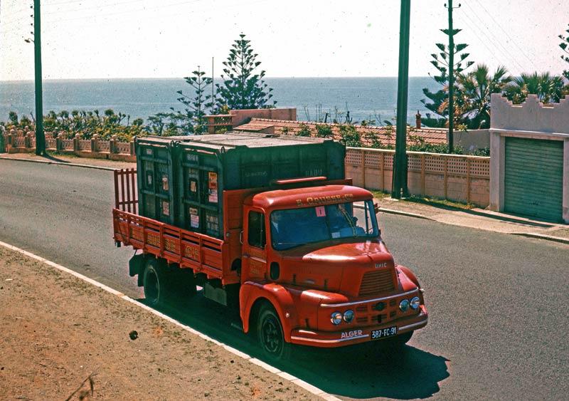 Tourmalet : un camion UNIC - Fondation Berliet