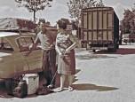vacanciers et leur Citroën Ami6 1966