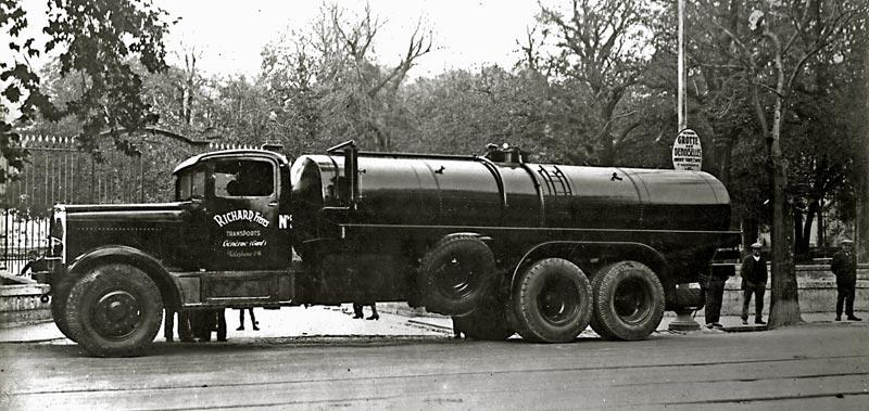 Somua UGS 1934 6 roues