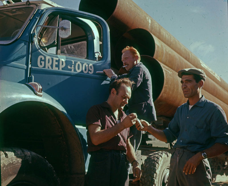 Berliet TBC8 pose pipeline 1961 vue1