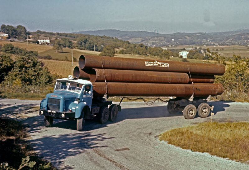 Berliet TBC8 pose pipeline 1961 vue3