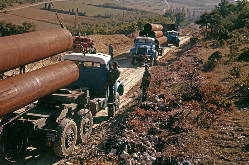 Berliet TBC8 pose pipeline 1961 vue5