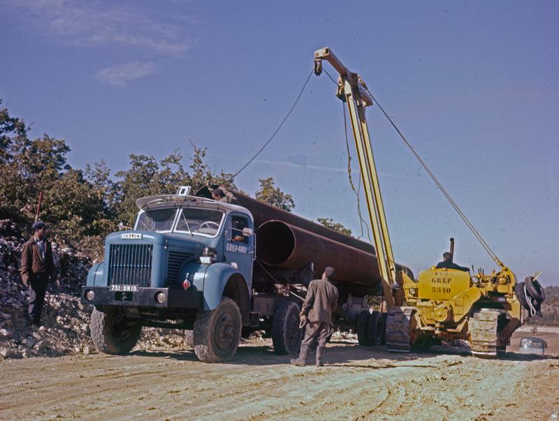 Berliet TBC8 pose pipeline 1961 vue6