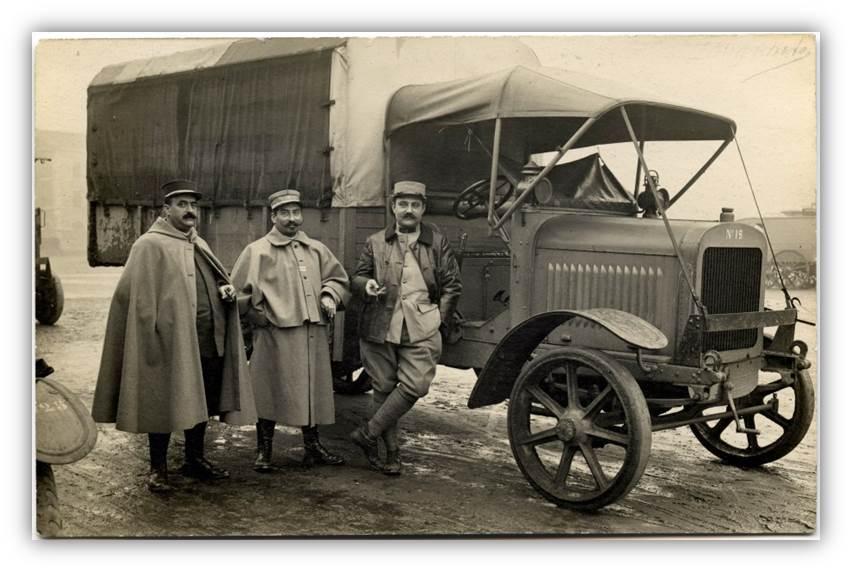 """N°00 - cadeau 4 Berliet Type CBA 1913 bâché  """"Berliet""""   CBA-soldats-capote"""