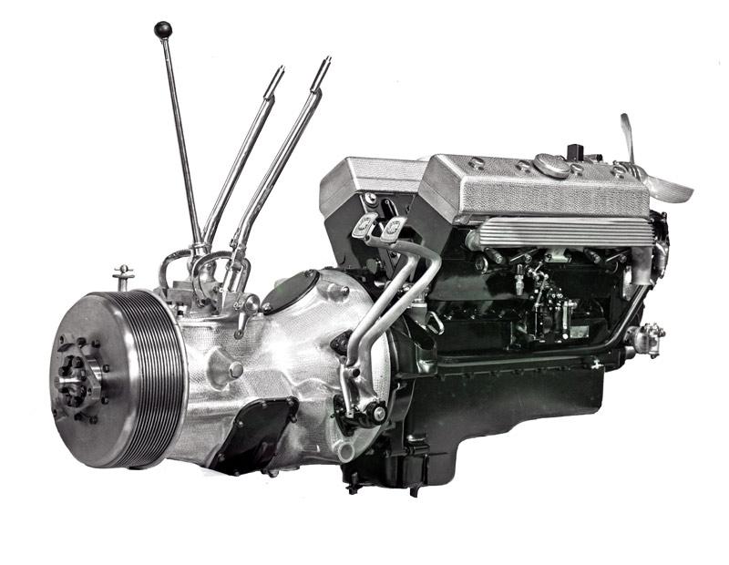 Latil moteur 8 cyl V3Y10 vue 1