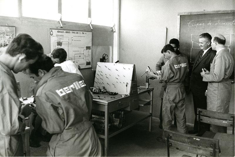 berliet-cuba-holguin-visite-paul-berliet-1969