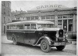 autocar Latil devant garage, Puisserguier Hérault 1932